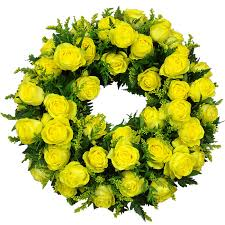 Large round yellow rose wreath