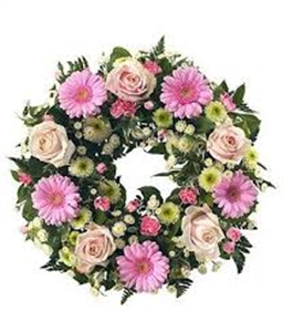 Round wreath with pink Gerberas