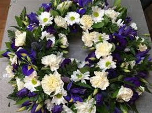 Small Round wreath in white and blue flowers