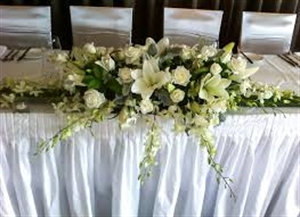 White Table Centre For Bridal Table