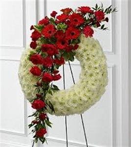 White wreath with Red Feature